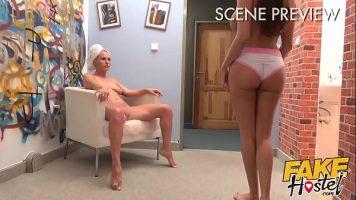 Incalzirea intre doua fete inaintesa inceapa sa faca sex