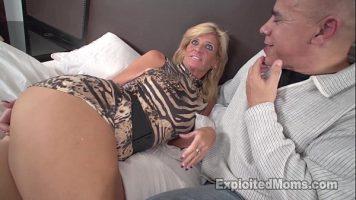 Te mira la ce perversiuni sexuale se rezuma pizda aceste milfa blonde